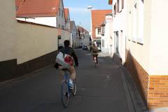 Viele Straßen führen durch Dossenheim