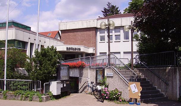Rathaus_Dossenheim_Wikimedia-Commons-Immanuel_Giehl