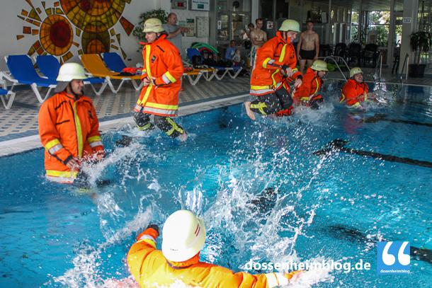 Dossenheim-Feuerwehr-Uebung Hallenbad-20140830-002_tn-5254