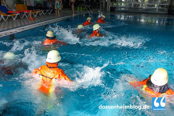 Dossenheim-Feuerwehr-Uebung Hallenbad-20140830-002_tn-5259