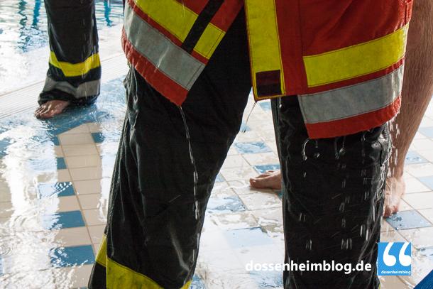 Dossenheim-Feuerwehr-Uebung Hallenbad-20140830-002_tn-5290