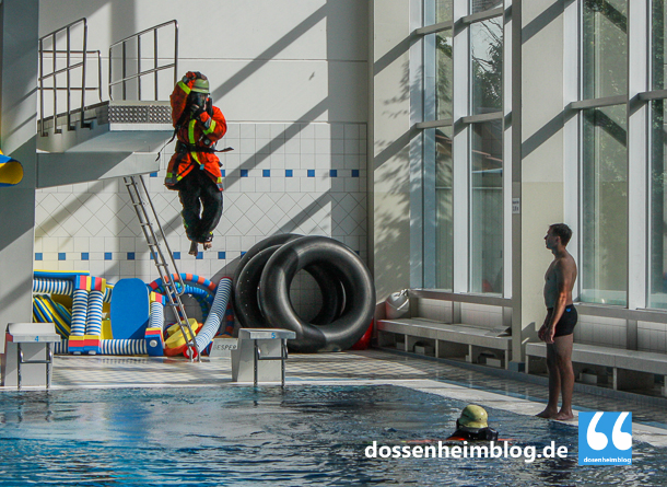 Dossenheim-Feuerwehr-Uebung Hallenbad-20140830-002_tn-5372
