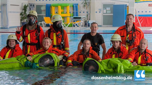 Dossenheim-Feuerwehr-Uebung Hallenbad-20140830-002_tn-5419
